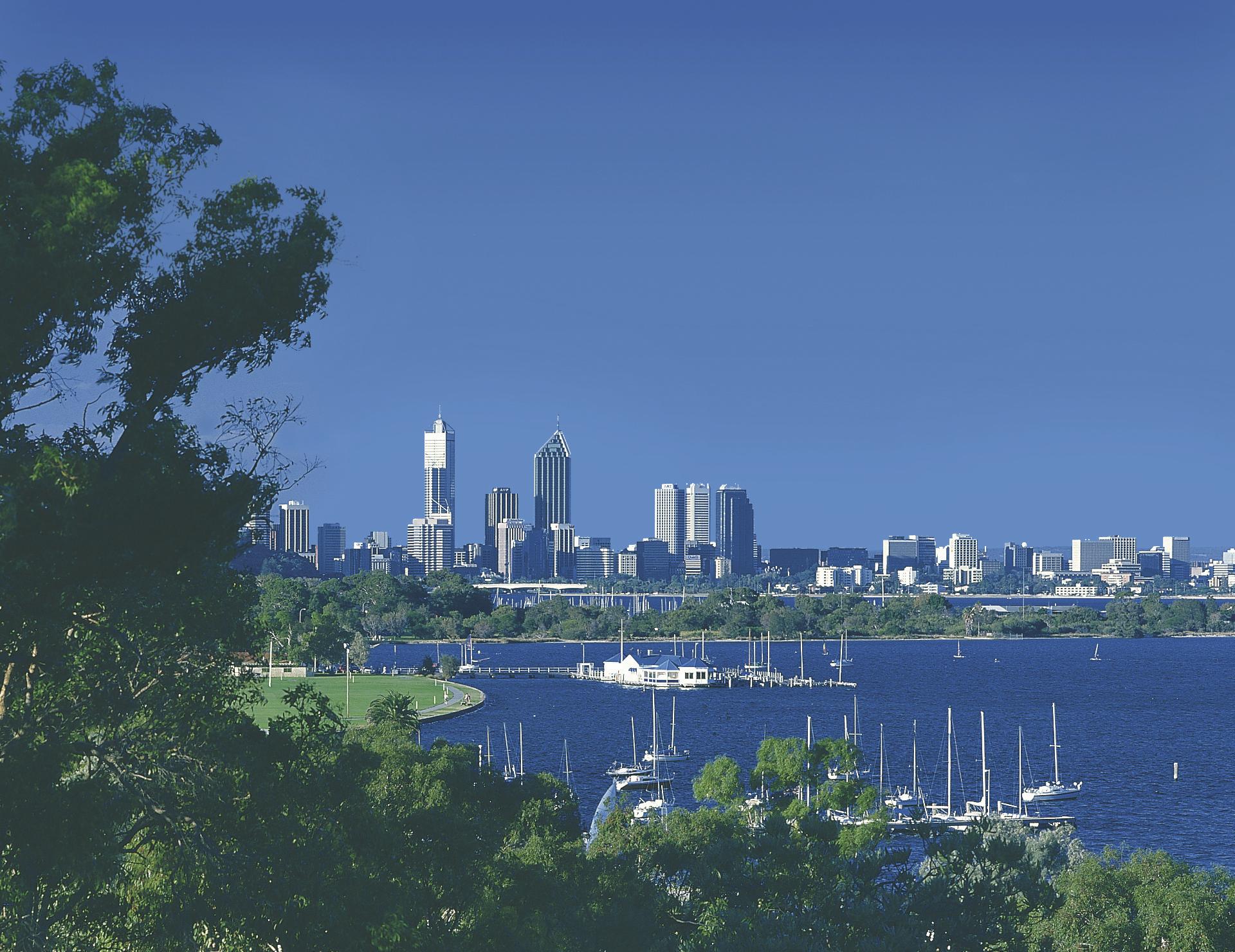 Blick auf die Skyline von Perth