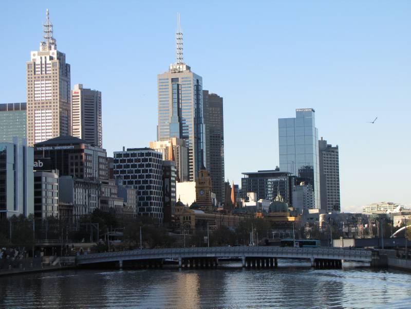 Blick auf Melbournes Skyline