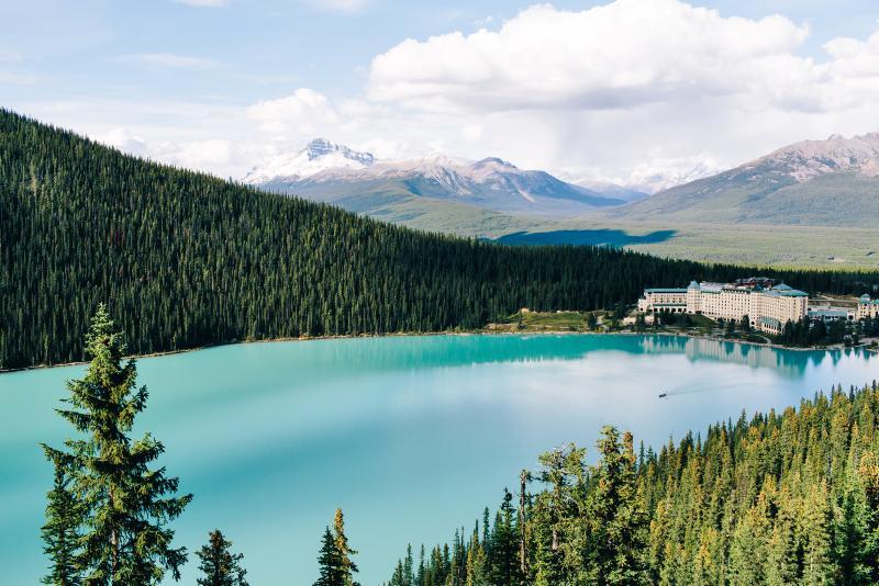 Lake Louise im Banff NP - c Finn Beales