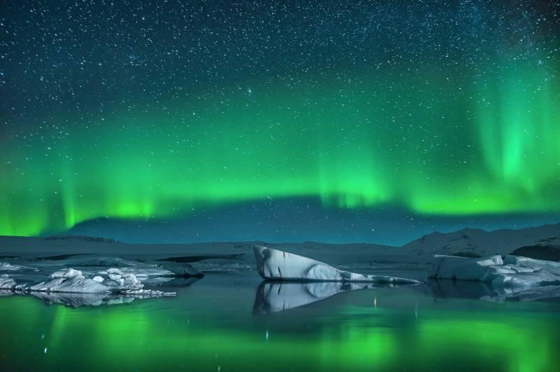 Eisberge im Nordlicht - ©Ben Burger - Fotolia