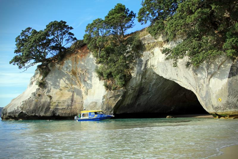 Cathedral Cove, Whitianga © Tourism New Zealand