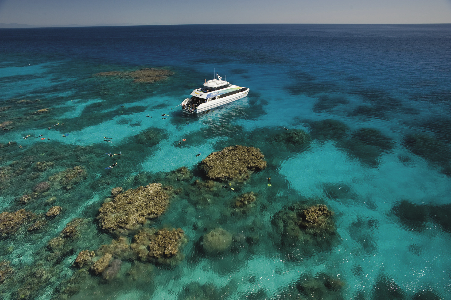 Am Great Barrier Reef ©Calypso Productions