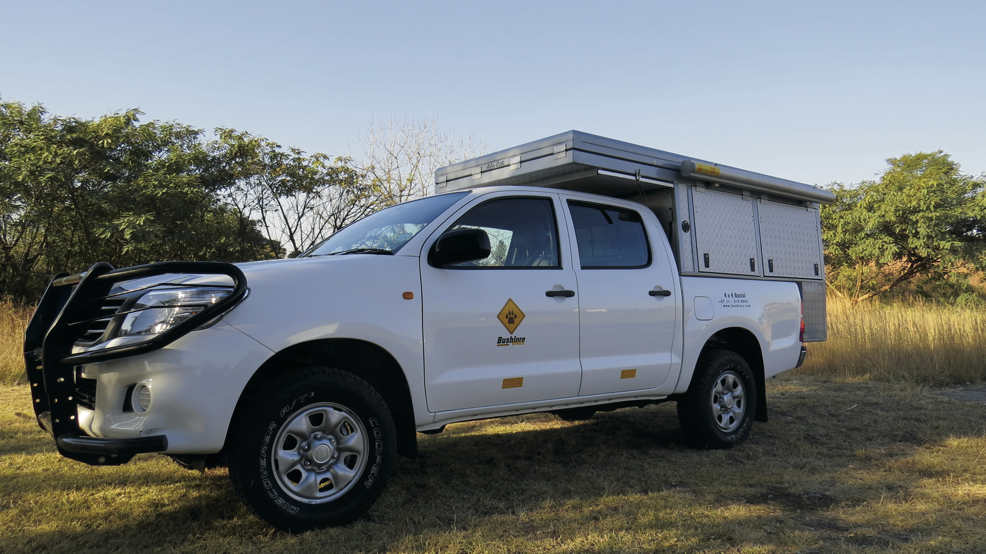Toyota Hilux Bushcamper