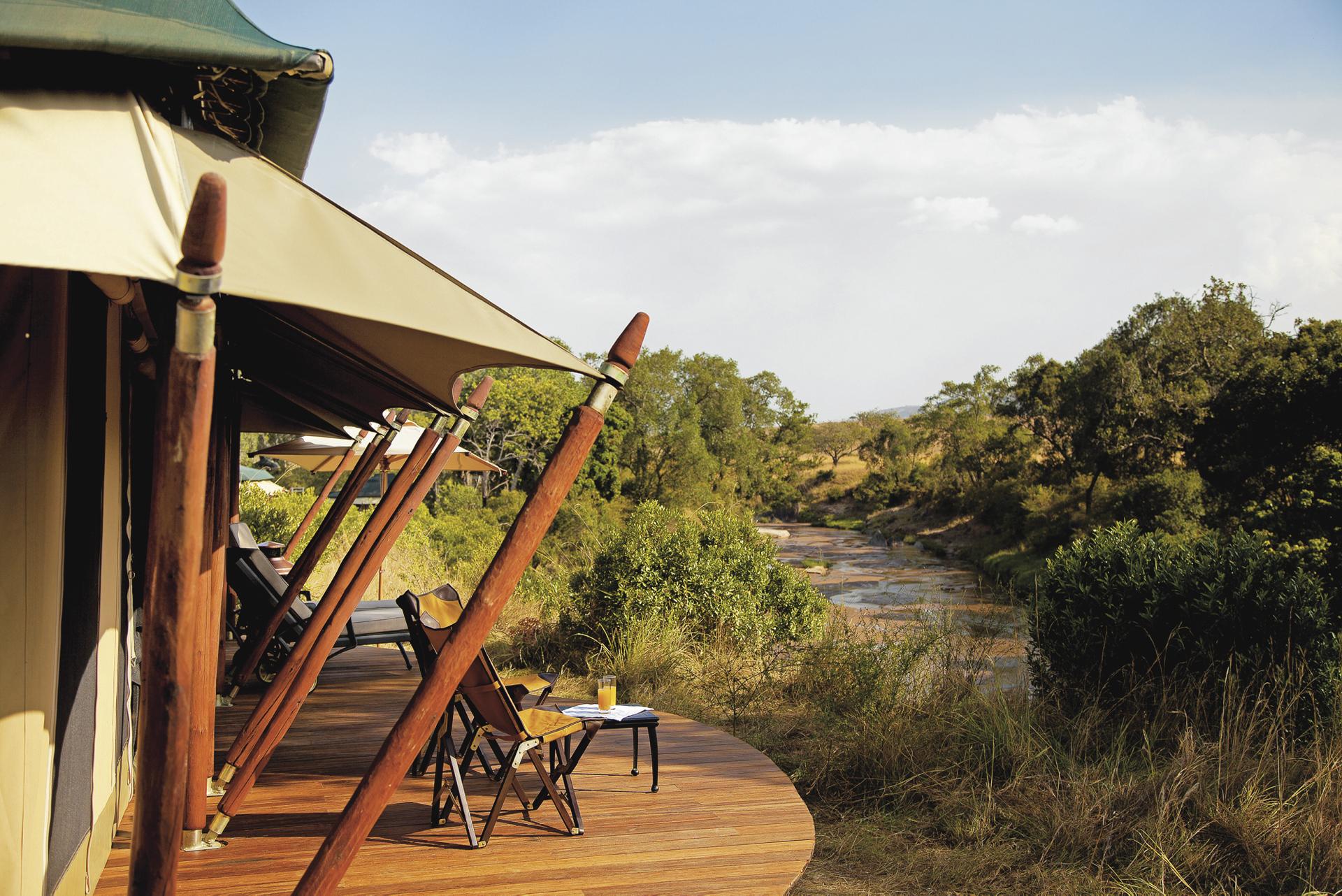 ©Copyright_ africashot.com; Terrasse eines Safarizeltes