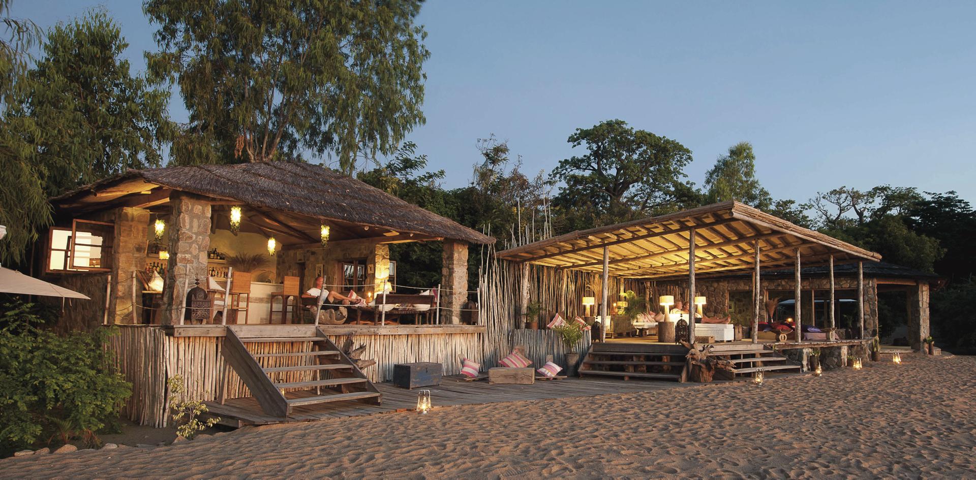Bar und Lounge direkt am Strand