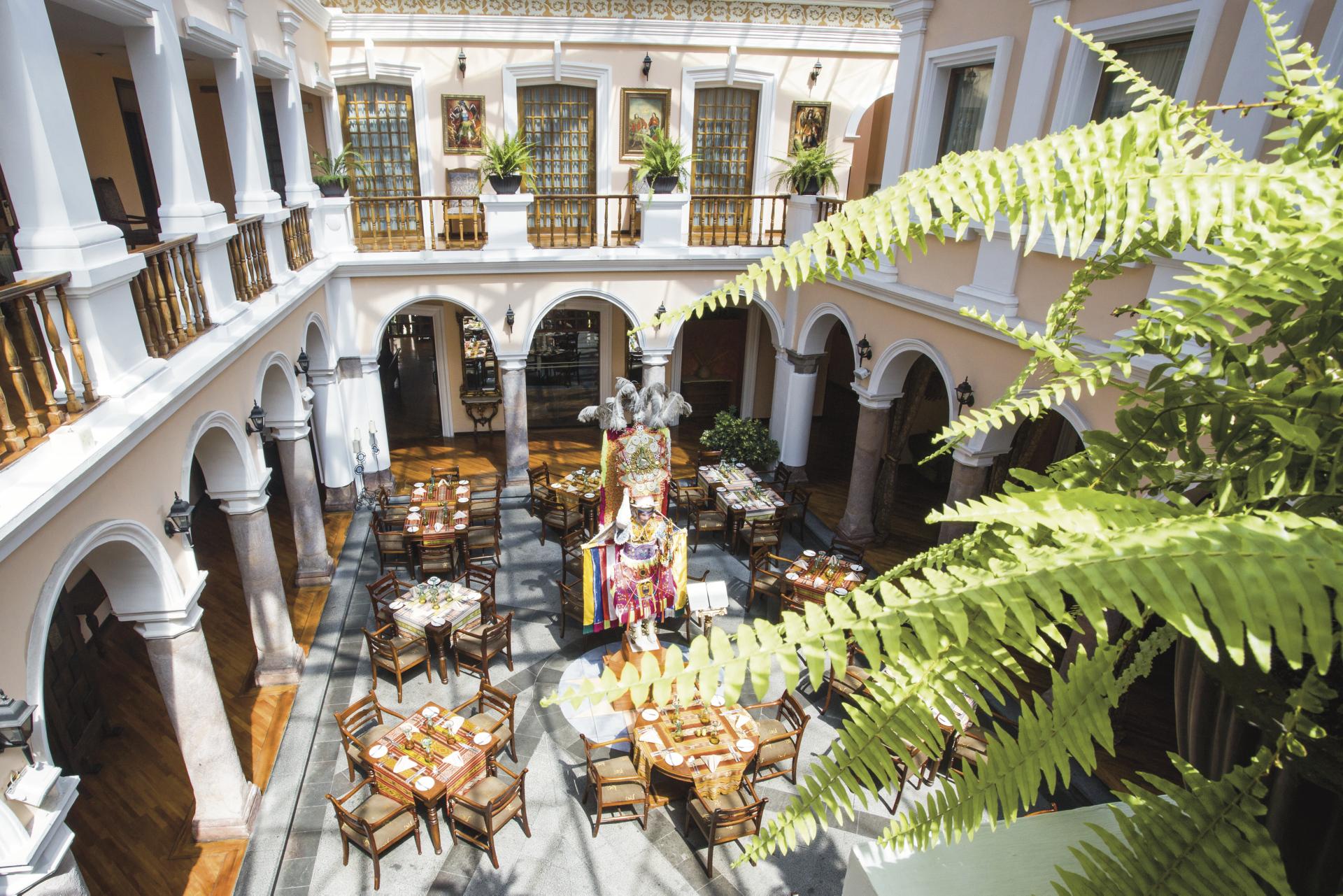Restaurant im Patio Andaluz ©darekwitkowski@op.pl