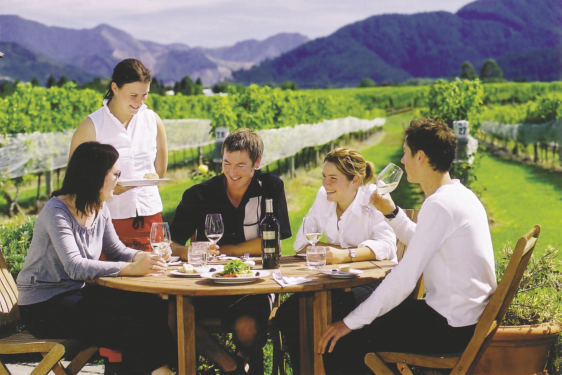 Nicht versäumen - Lunch auf einem Weingut