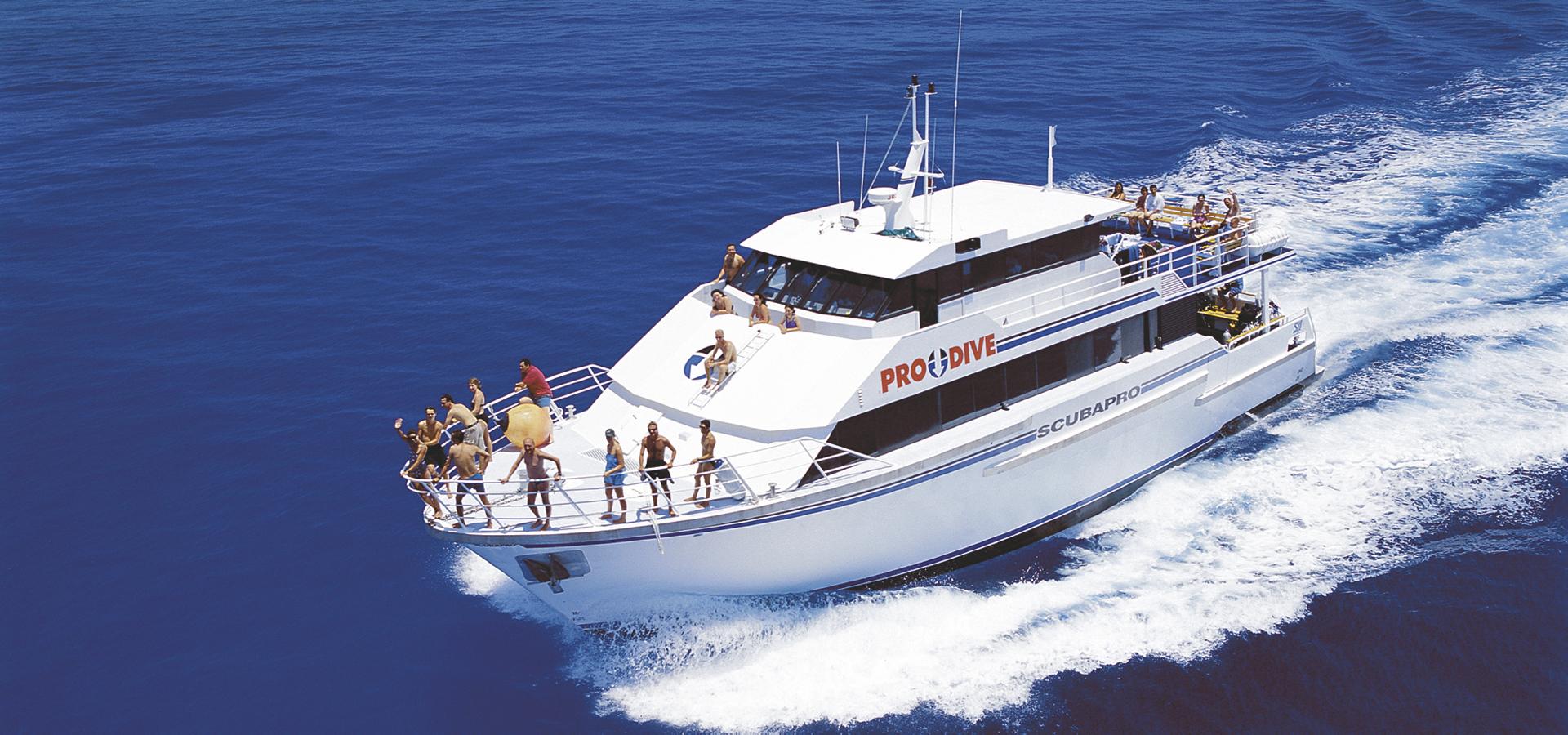 Pro Dive Scubapro Schiff