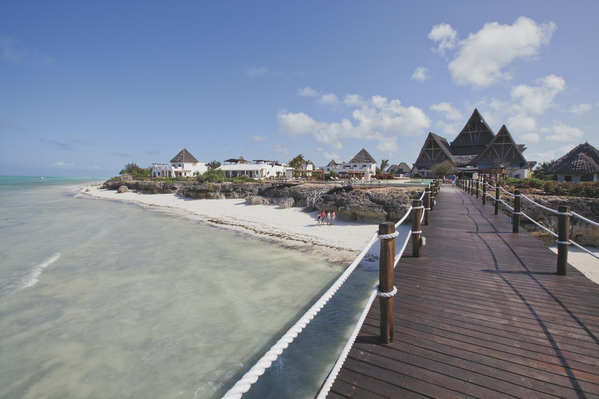 Blick auf das Resort von der Jetty