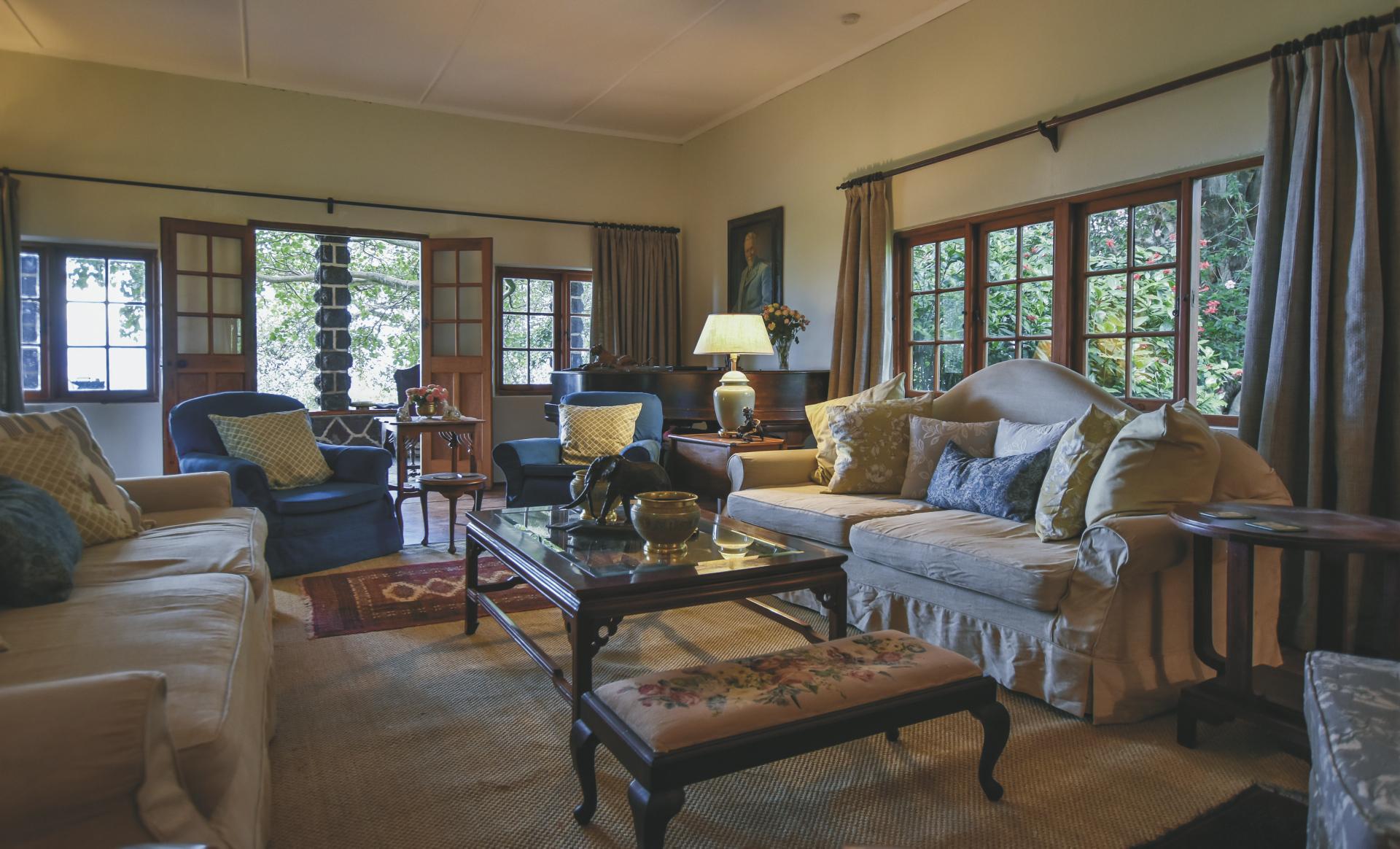 Die Lounge des alten Farmhauses