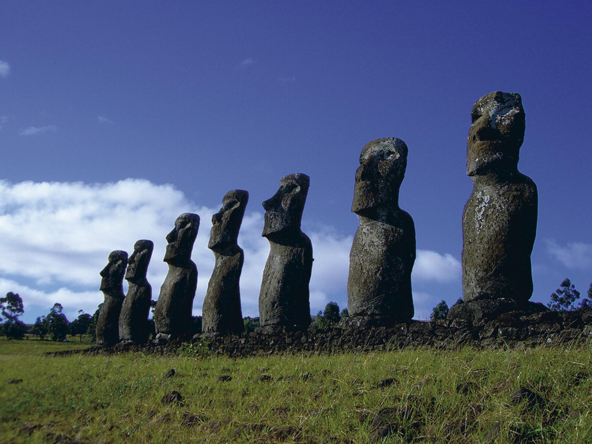Moai auf der Osterinsel - Ahu Akivi