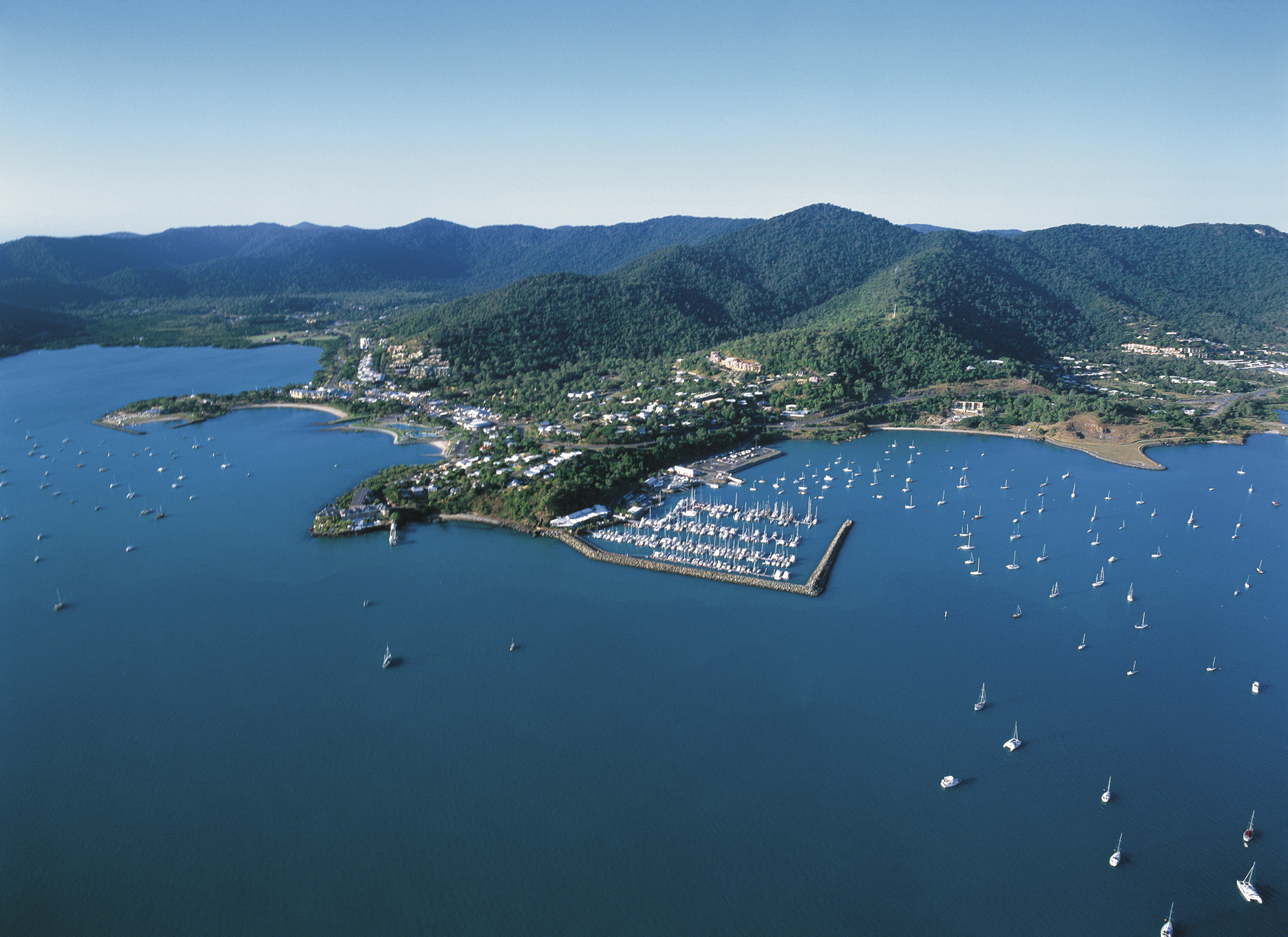 Airlie Beach, Abel Tasman Point & Marina, ©Tourism Queensland