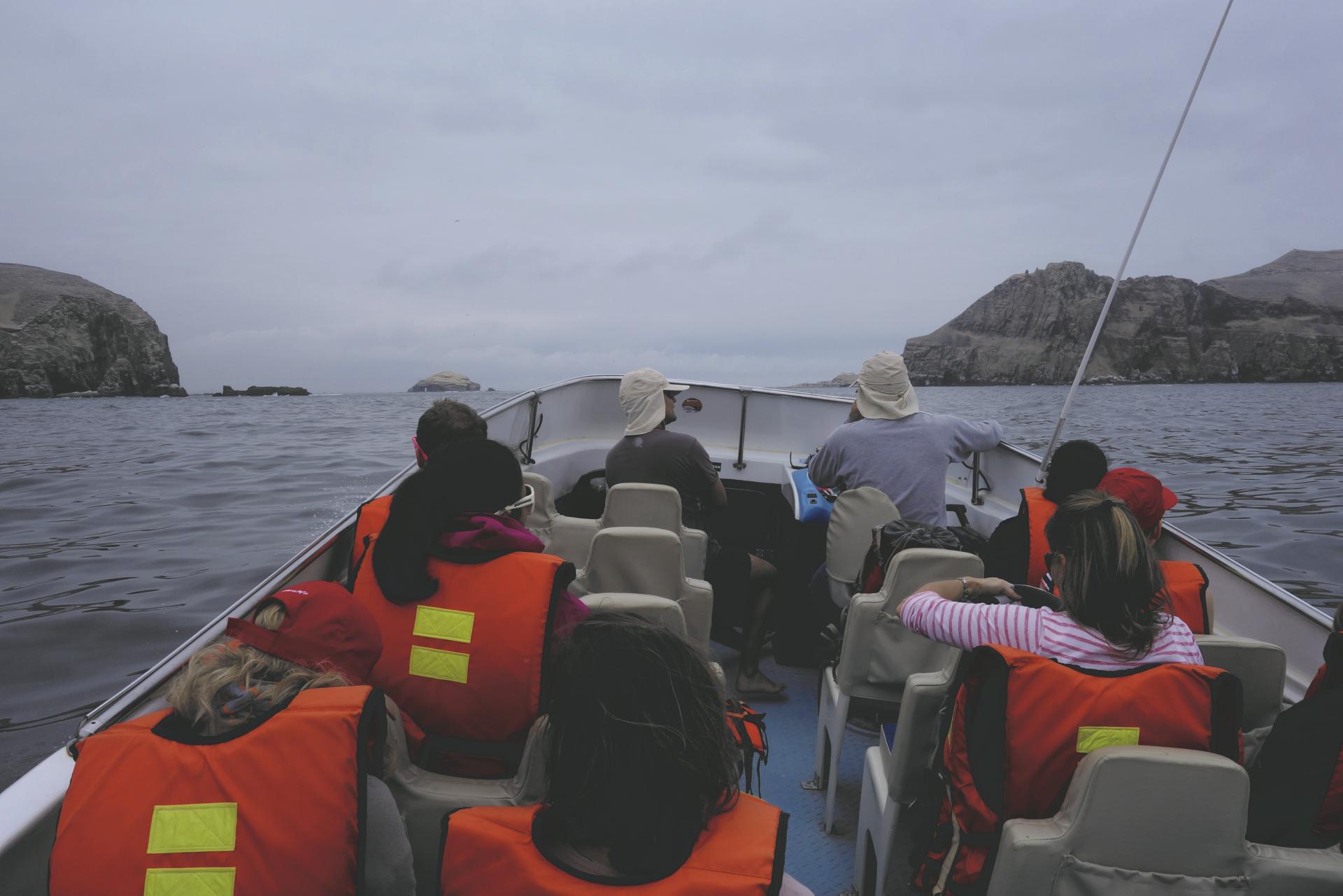 im Boot bei den Palomino Inseln
